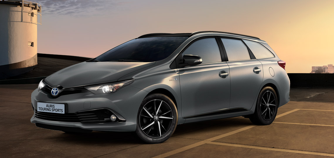 toyota promozione auris hybrid touring sports active. Black Bedroom Furniture Sets. Home Design Ideas